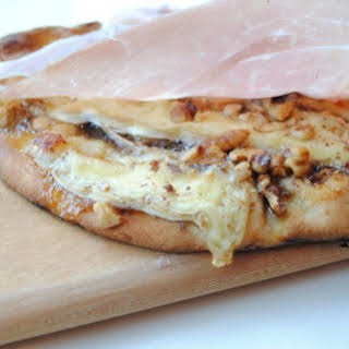 Fig, Brie, and Walnut Pizza.