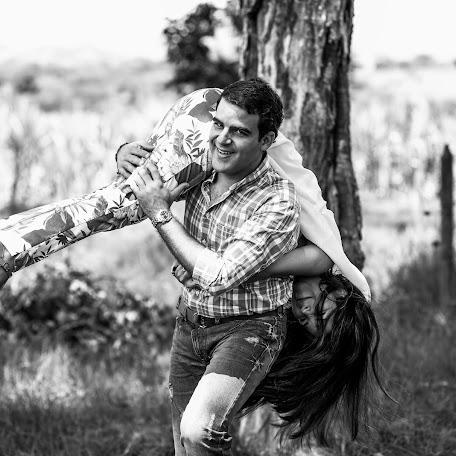 Wedding photographer Cristian Bustos (CristianBusto). Photo of 15.11.2017