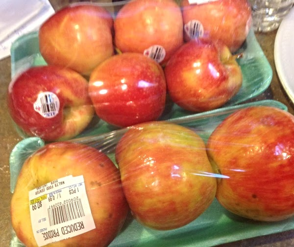 Preheat oven to 400 degrees F. Wash, peel and slice apples. This is the...