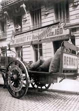 Photo: Coche de riego Bernot, 1910. .- EUGÈNE ATGET