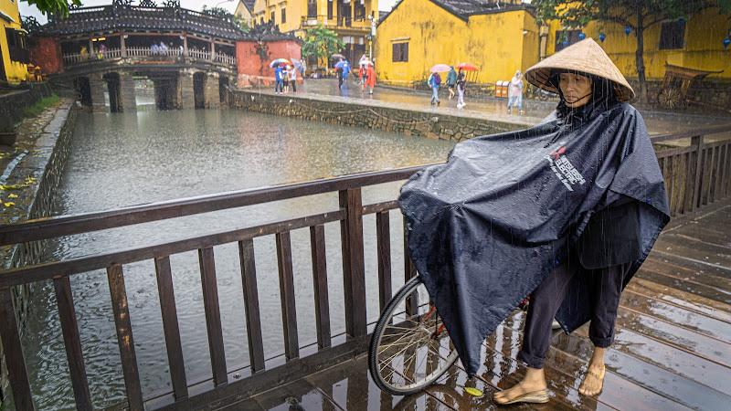 Pioggia ad Hoi An di Montevecchi