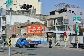 Photo: 沒有裝飾過的老牆