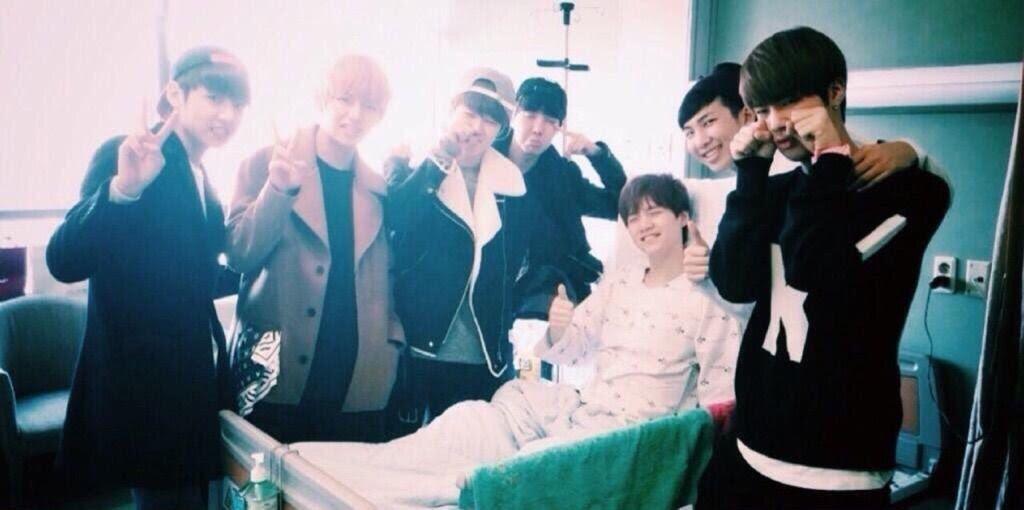 Suga BTS tengah dirawat di rumah sakit.