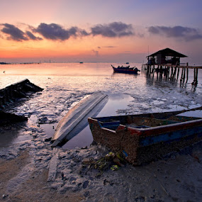 Boats Graveyard by Christopher Harriot - Landscapes Sunsets & Sunrises ( boats, penang, low tide, malaysia, sunrise )