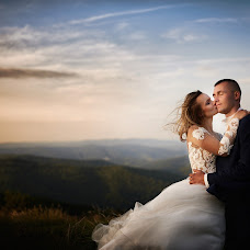 Wedding photographer Dawid Mazur (dawidmazur). Photo of 21.12.2018