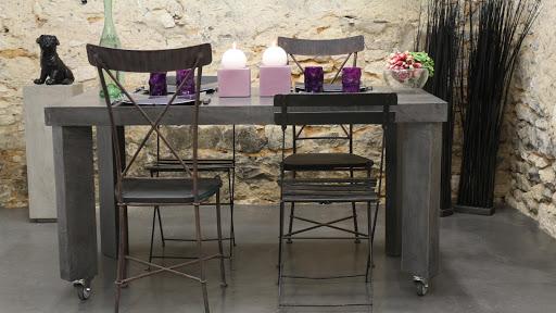 Ambiance design et moderne: Sol de salle à manger en béton ciré