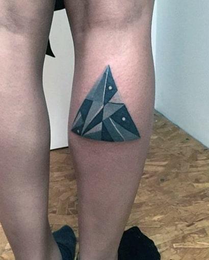 ลายสักสามเหลี่ยมขา 10