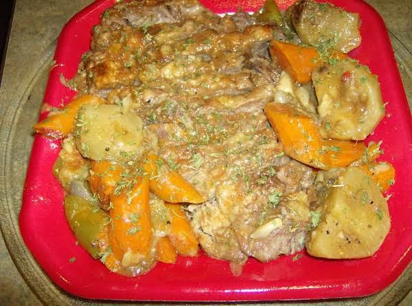 Slow Cooker Or Oven Baked Beef Roast & Veggies
