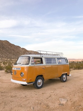 Goldie the 71 VW Buss Hire California