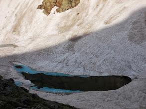 Photo: étang d'Estats , pris dans sa gangue hivernale