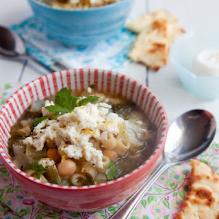 Lemony Mediterranean Escarole Soup