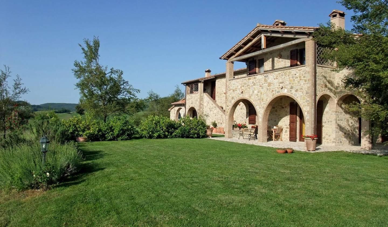 Maison avec piscine et jardin Fabro