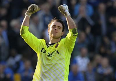 """""""Boeren buiten!"""" Niet alle fans van AA Gent zijn tijdens spelersvoorstelling even lief voor ex-Bruggeling Colin Coosemans"""