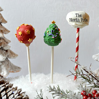 Chocolate Bomb Cake Pops – Christmas Themed