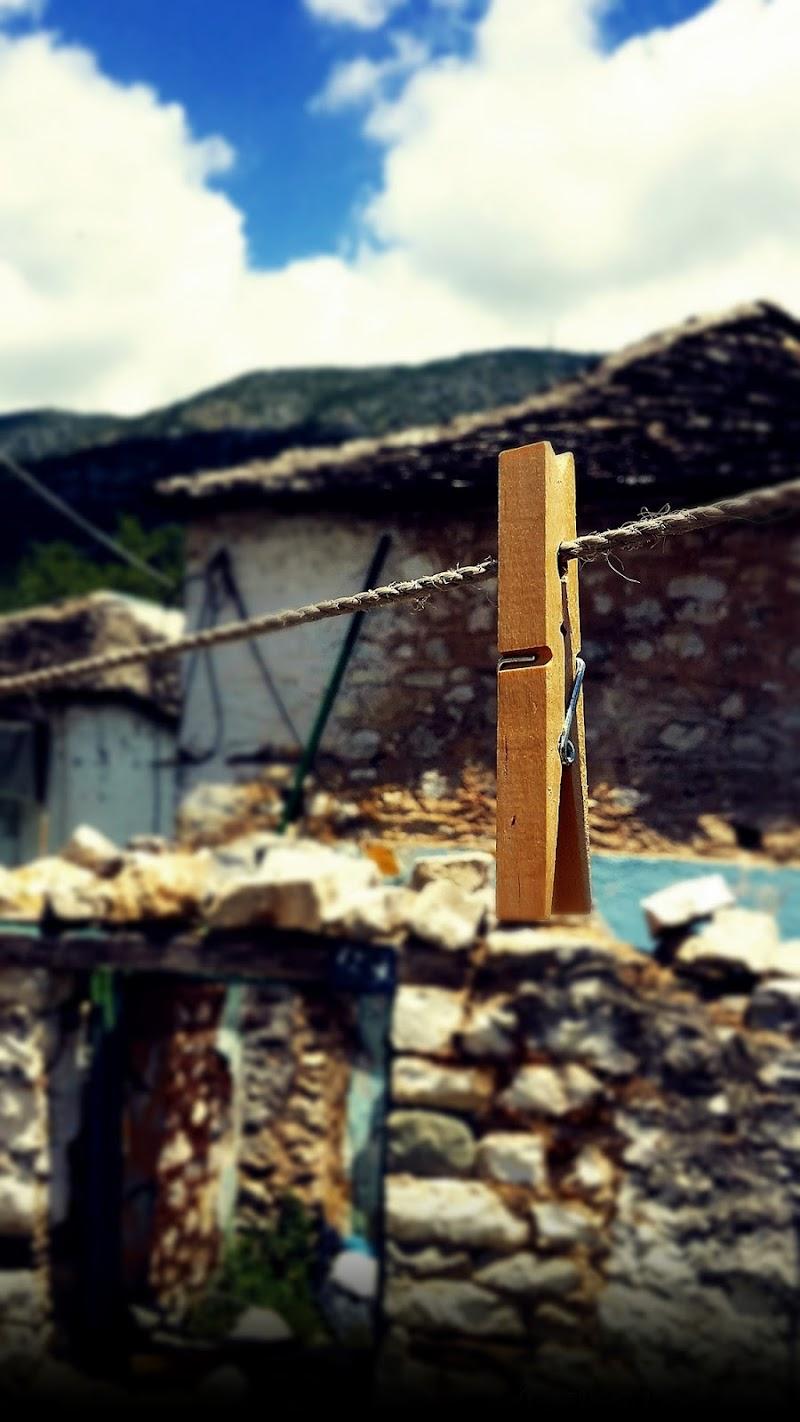 Tra le vecchie case di Eleni Karadagli