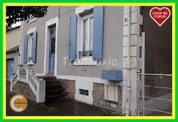 Maison 8 pièces 61 m2