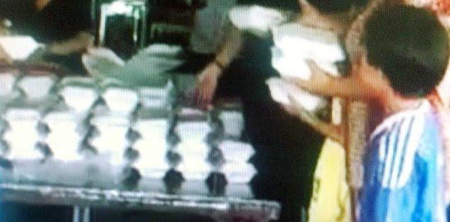 Khoản tiền lớn bất ngờ và cậu bé suốt 20 năm lừa tiền mua cơm