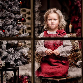 Waiting for santa by Jan Kraft - Babies & Children Child Portraits ( christmas girl red colour christmastree window frost cute, World_is_RED )