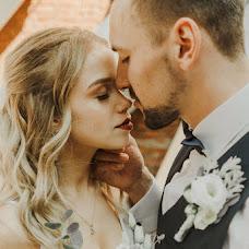 Wedding photographer Polina Rumyanceva (polinahecate2805). Photo of 11.12.2018