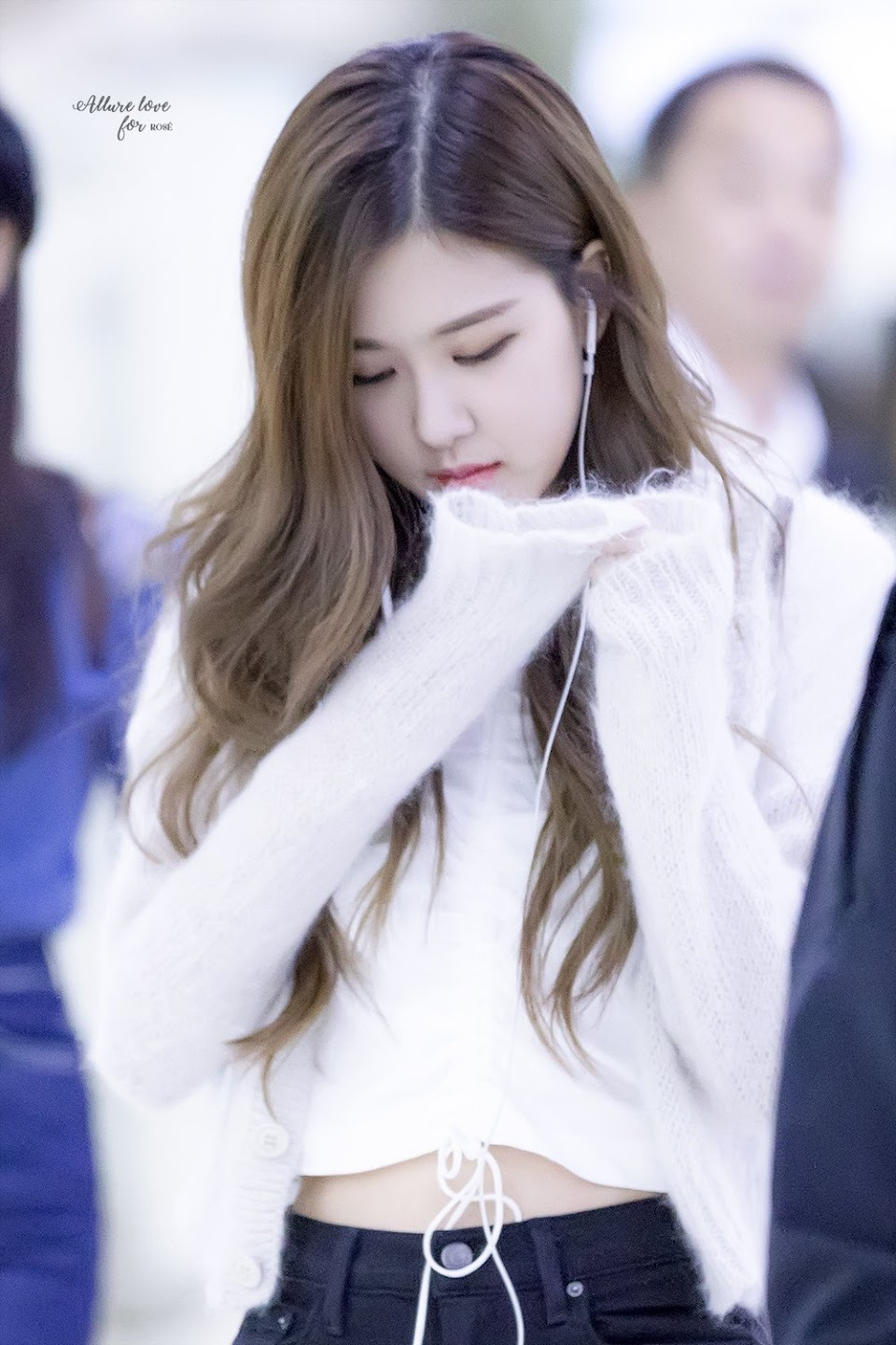blackpink-rose-airport-fashion-22-april-2018-hq