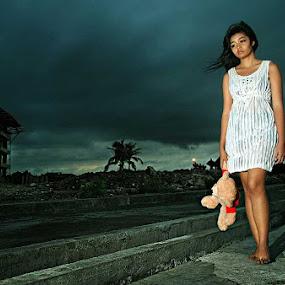 Walking alone by Purnawan  Hadi - People Portraits of Women ( bali, girl, purnawan hadi, indonesia, cloud, hadi )