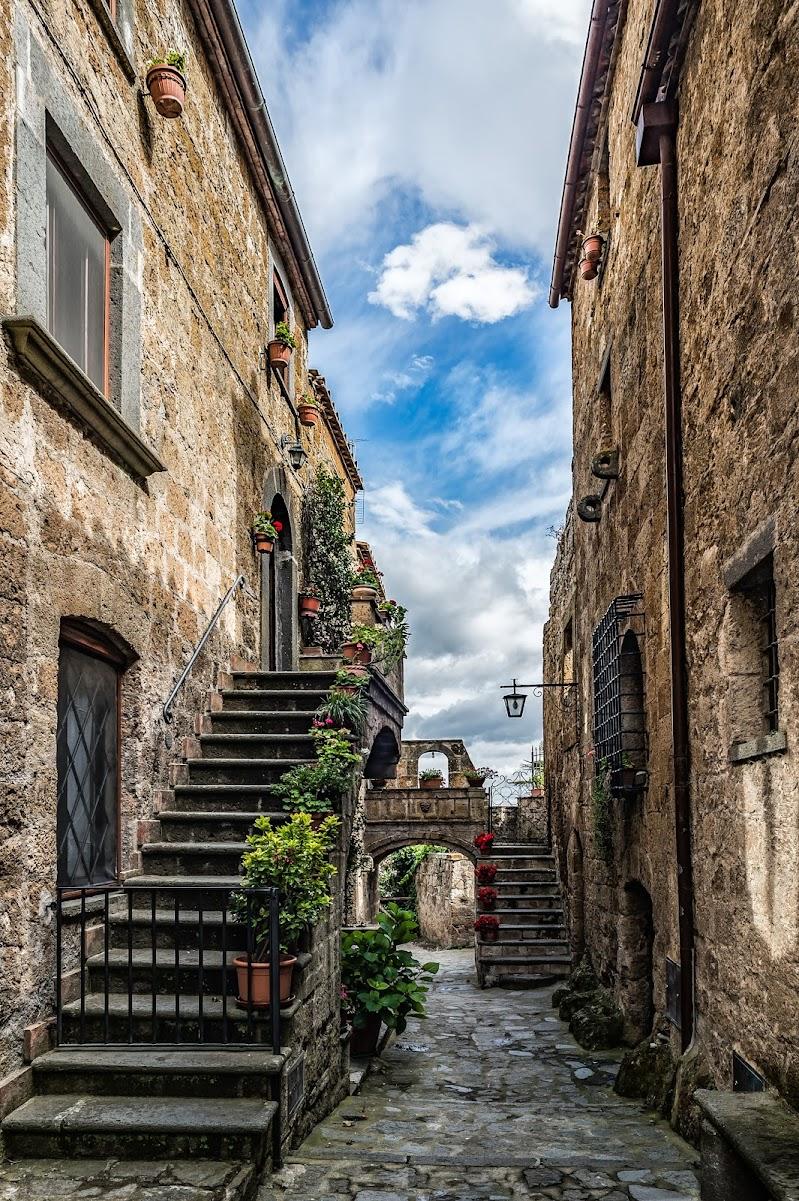 Le case di Civita di Bagnoregio di Alessandro Alessandri