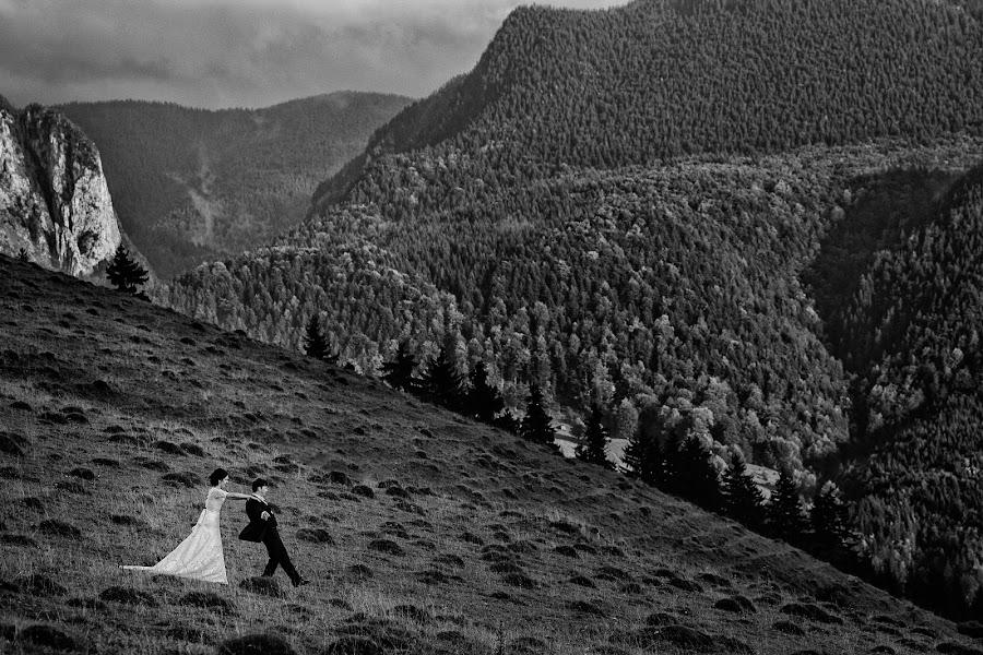 Wedding photographer Marius Barbulescu (mariusbarbulescu). Photo of 19.01.2015