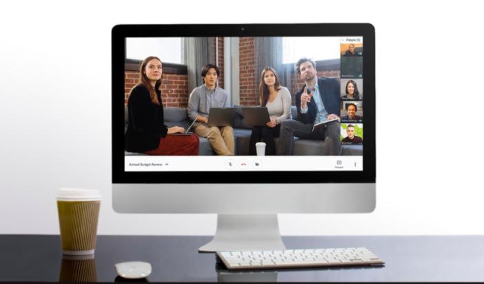 desktop mac with google hangouts