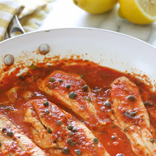 Skillet Fish Fillet with Tomatoes, White Wine and Capers