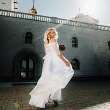 Wedding photographer Dmitriy Shumeev (wedmoment). Photo of 03.04.2018