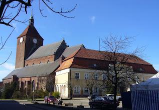 Photo: RÜGENWALDE (DARLOWO), St. Marien Kirche  Erich I von Pommern-Rügenwalde, König der nordischen Union, * 1382, + Rügenwalde 1459 Sein Geburtsname ist Bogislav, in Dänemark wird er als Erich VII. und in Schweden als König Erich der VIII. geführt. Als seine Tante 1412 in Flensburg an der Pest stirbt, wird er auch König von Norwegen.
