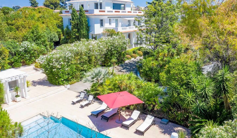 Villa avec piscine en bord de mer Antibes