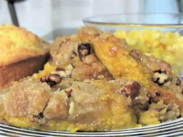 Reba Mcentire's Praline Sweet Potato Casserole