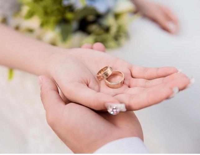 Chồng thường không đeo nhẫn cưới vì sợ bồ ghen