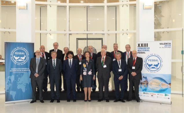 Su Majestad la Reina Doña Sofía junto a los miembros del Comité Ejecutivo de la Federación Española de Bancos de Alimentos