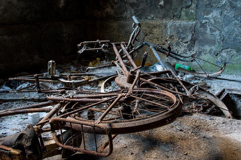 Biciclette dimenticate di Enrico Chiamenti