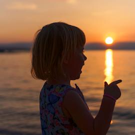 Enola by Dalibor Jud - Babies & Children Children Candids ( sunca, krk, island, more, sea, malinska, jadransko, croatia, otok, zalazak, sunset, adriatic, enola )