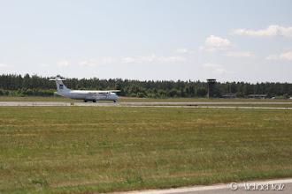 Photo: En SAS-maskin står klar til å ta av fra bane 28L samtidig.