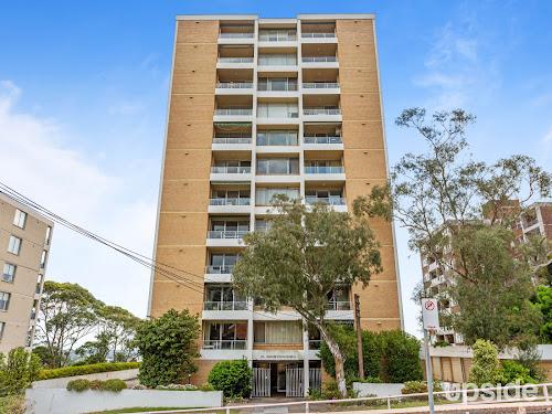 Photo of property at 16/10 Carr Street, Waverton 2060