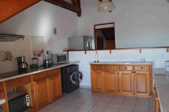 Location appartement meublé 3 pièces 120 m2