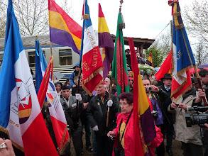 Photo: Les porte-drapeaux