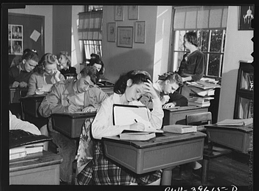An algebra class at Woodrow Wilson High School / Library of Congress