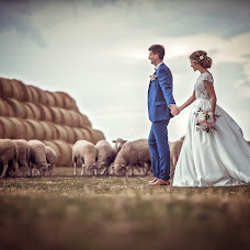Wedding photographer Tomas Paule (tommyfoto). Photo of 24.07.2017