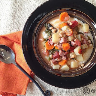 Slow Cooker Ham, Kale and Navy Bean Soup Stew