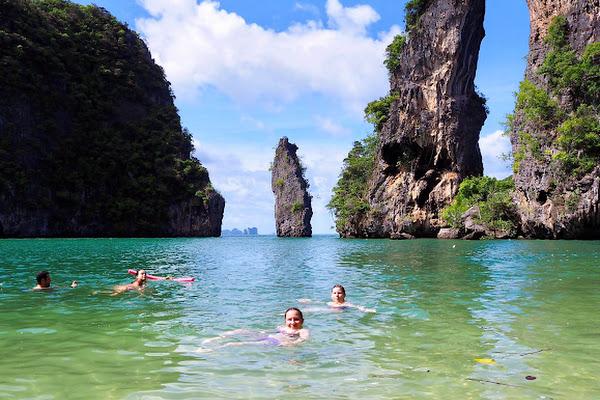 Swim and relax at Kudu Island