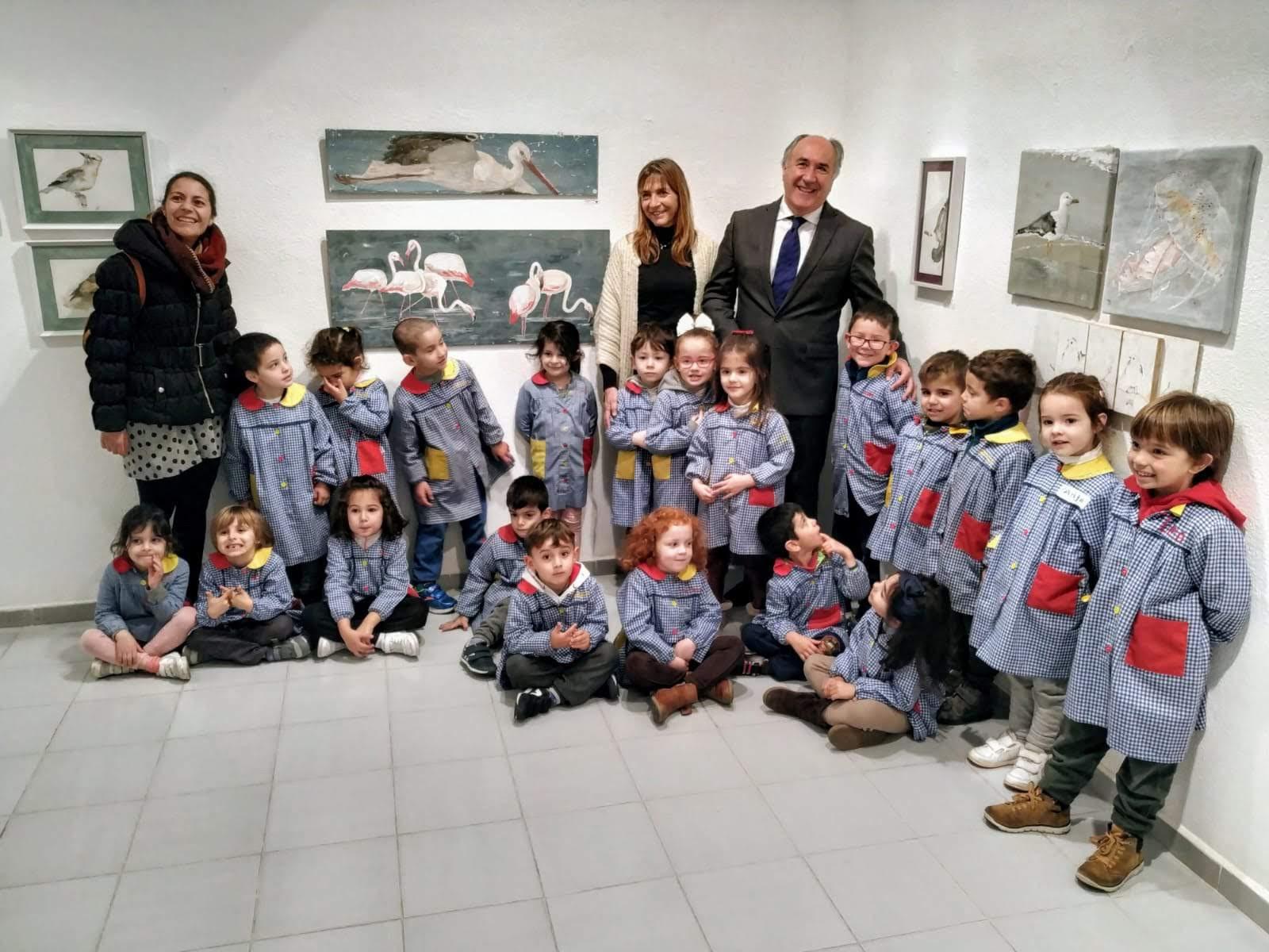 """Los pequeños de C.E.I. Manuel Tinoco descubren """"Otra forma de ver el patrimonio"""" en la Sala Cajasur"""
