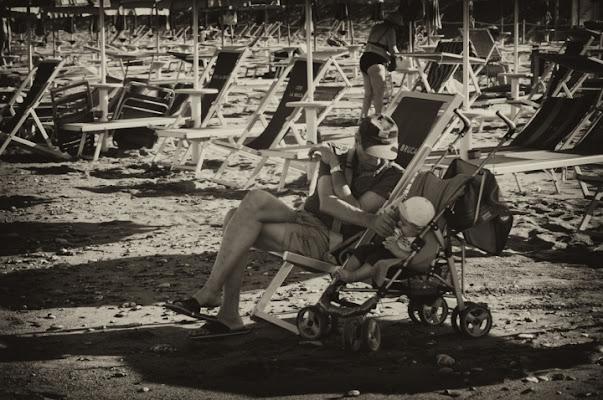 Al mare col nonno di Vincenzo Ianniciello