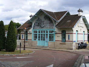 Photo: The Villennes station is celebrating its 100th anniversary this year.