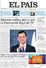 """Photo: En la portada de EL PAÍS: Bárcenas ratifica ante el juez la financiación ilegal del PP; Rajoy: """"Voy a cumplir el mandato que me han dado los españoles""""; La crisis de desboca en Argentina http://cort.as/4jOB"""