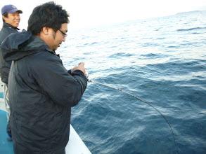 """Photo: 毎回、たくさん釣り上げる""""シゲヤマさん""""もヒーット!"""